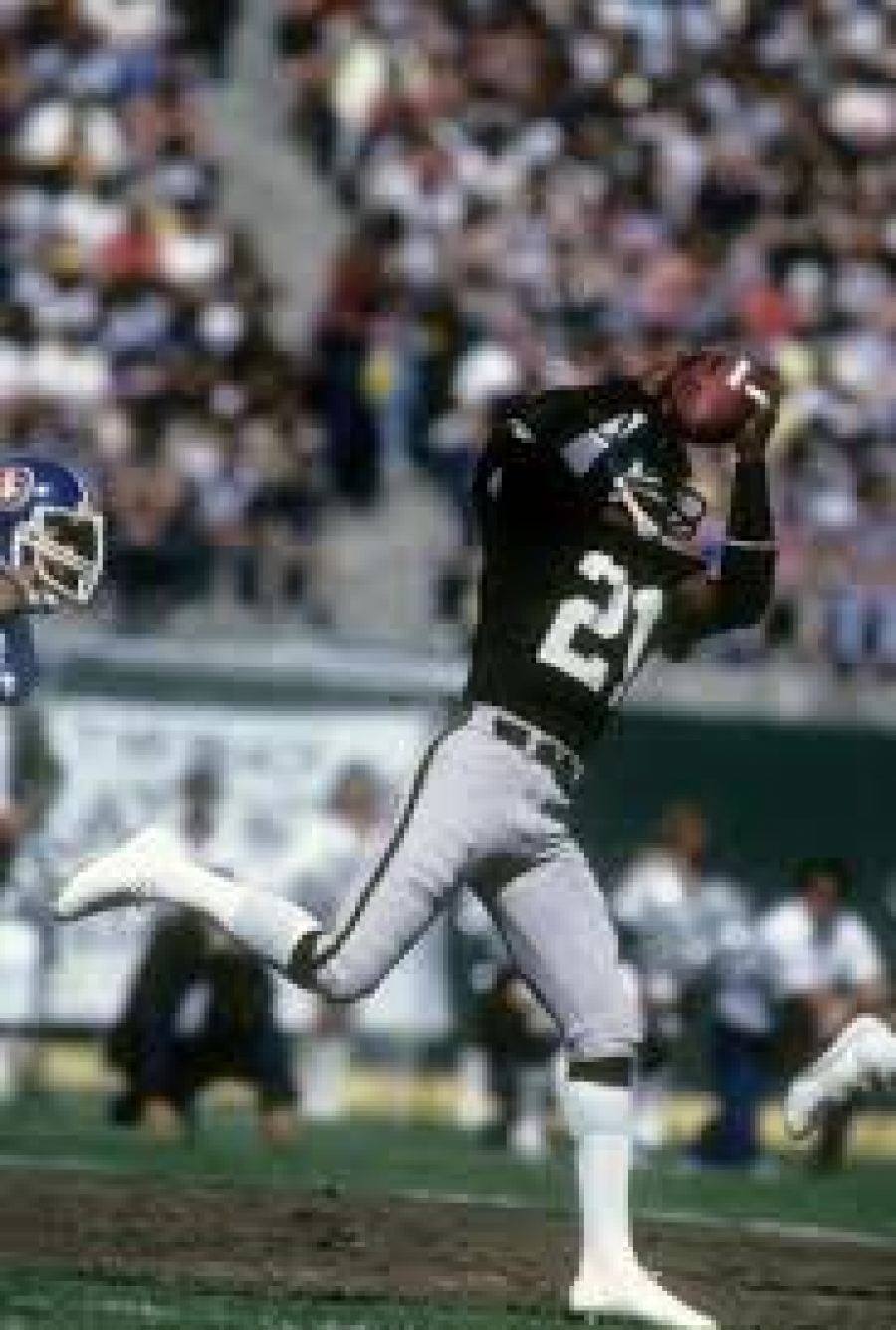 e45bc7e1 Oakland Raiders: Cliff Branch, Overlooked by NFL Hall of Fame ...