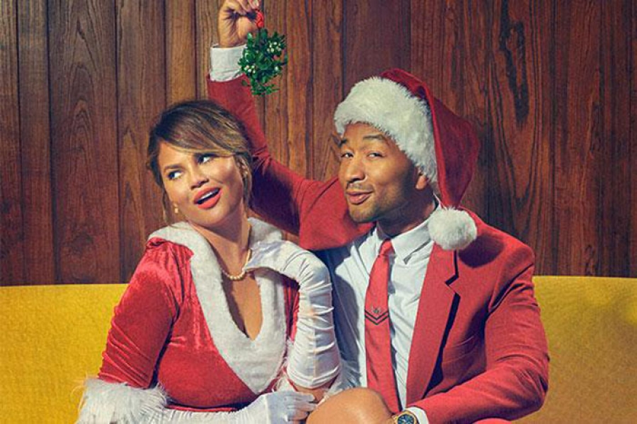 "HUB REVIEW:  John Legend's A Legendary Christmas featuring ""Special Guest"" Miss Diana Ross LOL"