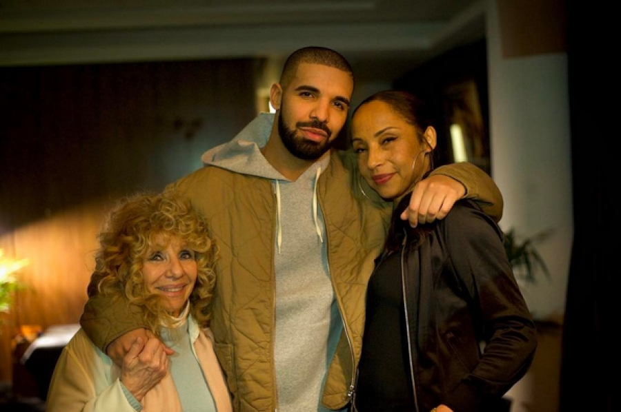 Drake's Pic With Sade Is Giving Us The Sweetest Taboo - Sac