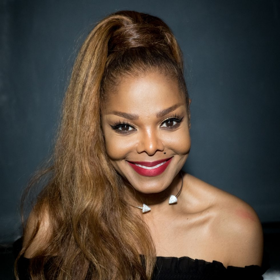 Janet Jackson Surprised a Superfan Dad and His Reaction Was So Endearing
