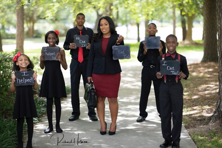 'We did it': Single mother of 5 poses with children in law school graduation photo