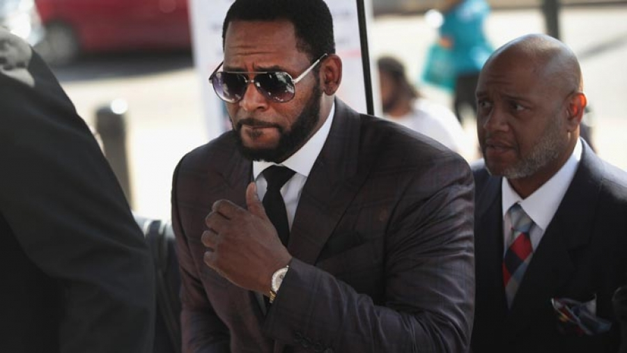 R. Kelly arrested on federal child pornography charges, U.S. attorney says