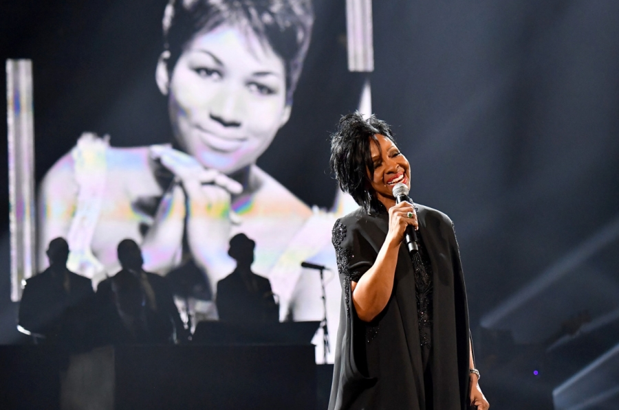Gladys Knight, CeCe Winans, Mary Mary honor Aretha Franklin with gospel tribute at AMAs