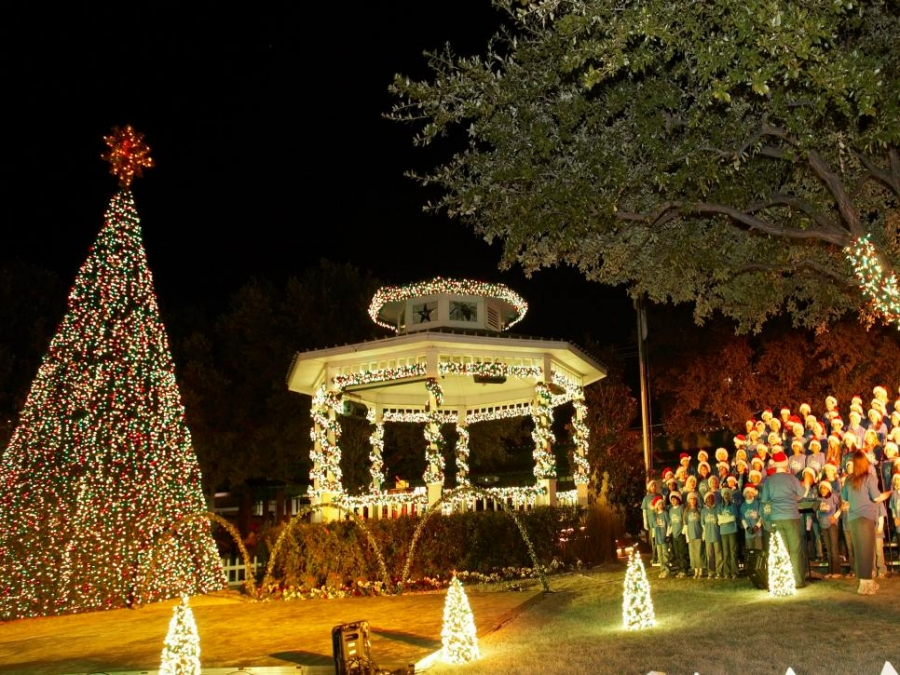These 10 Towns Around the World Claim to Be the Christmas Capital