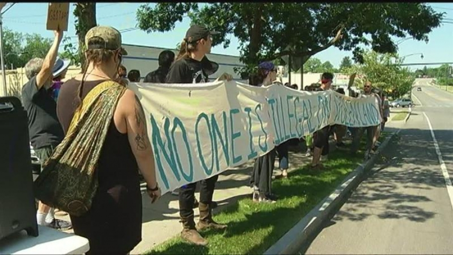 'Know your rights': Sacramentans mobilize against anticipated nationwide ICE raids