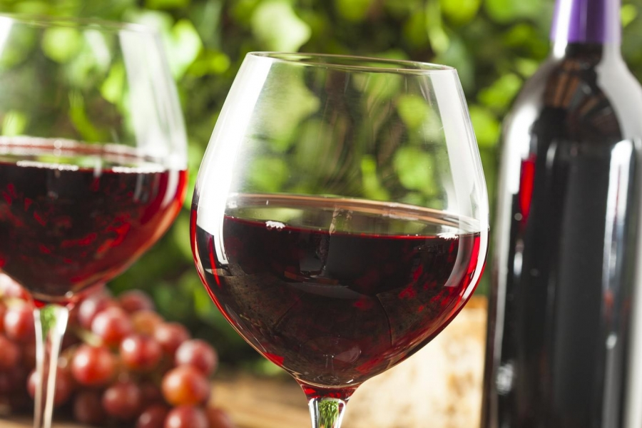 Drinking red wine may help you lose weight, say studies