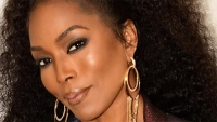 "Angela Bassett On Clean Eating, The Importance Of Cooking For Her Family And The Perks And Pressure Of Those ""Ageless"" Compliments"