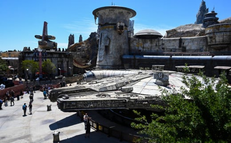 10 secrets of Disneyland's new Star Wars land, from droid tracks to Princess Leia's jewelry