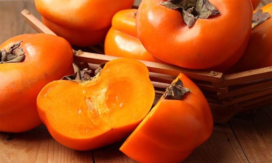 Persimmon is a complex fruit, along with the preparing process