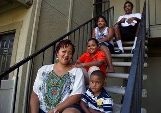 Housing bust hit blacks, Latinos hardest