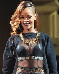 Rihanna Becomes Most Viewed Artists on YouTube