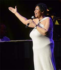Aretha Franklin Stages a Low-Key Return at Radio City Music Hall