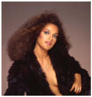 The Hub's EXCLUSIVE conversation with Jayne Kennedy Overton
