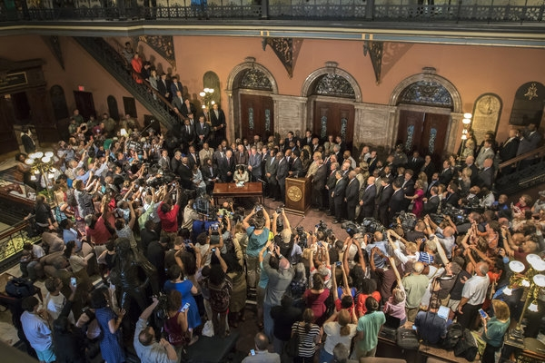 South Carolina Governor Signs Law Removing Confederate Flag From Capitol