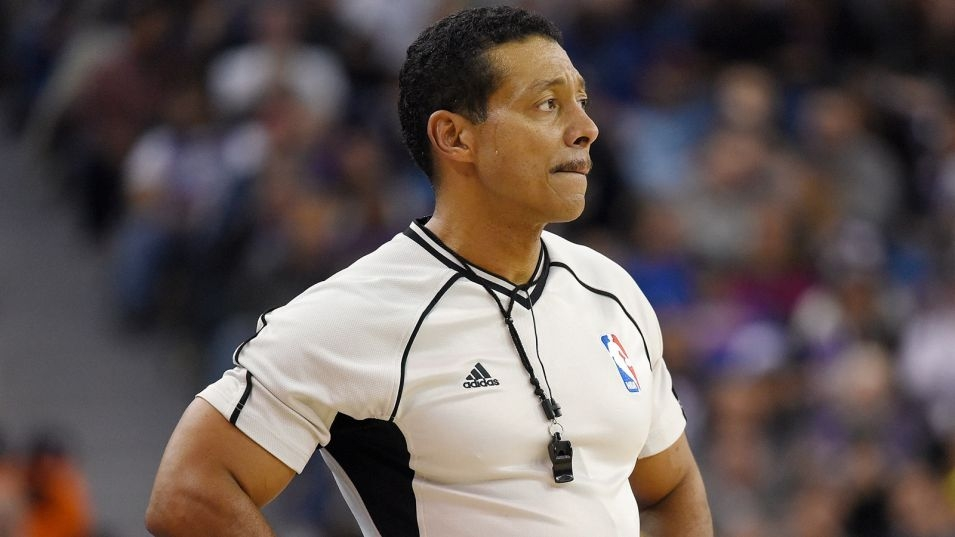 NBA ref reveals he is gay after reported Rondo slur, suspension