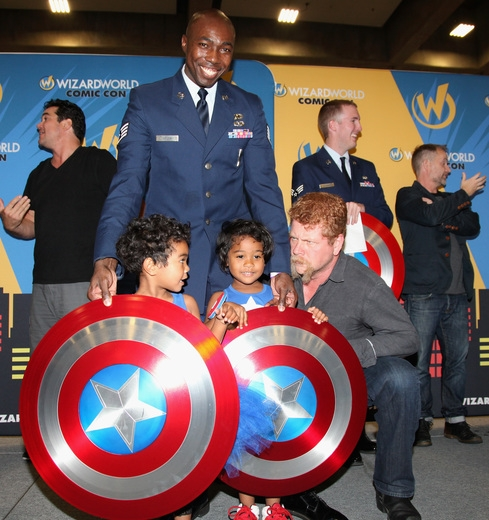 Wizard World Comic Con Sacramento Kicks Off With Star-Studded Tribute To Hometown Heroes