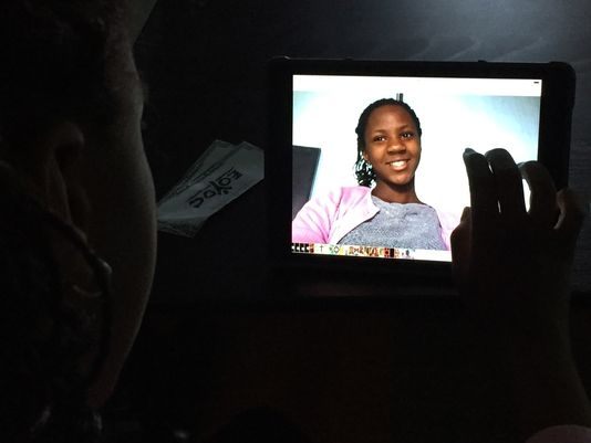 Apple's iPads open up new worlds for Oakland youth