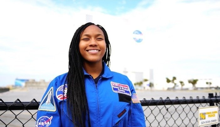 This 13-Year-Old Raised Money For Over 800 People To See 'Hidden Figures'