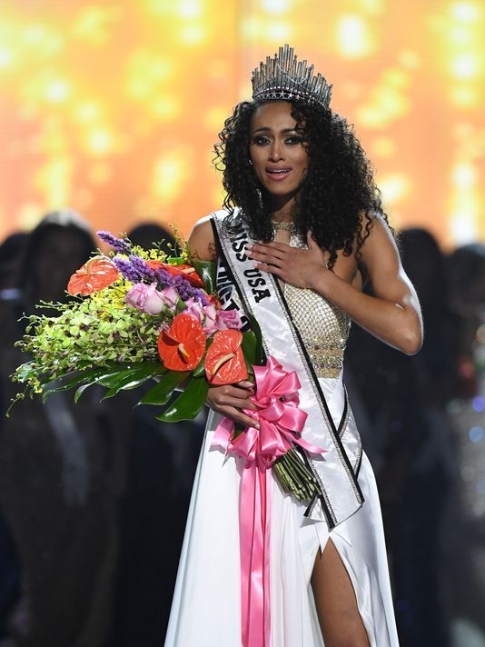 Miss D.C. Kára McCullough wins Miss USA crown