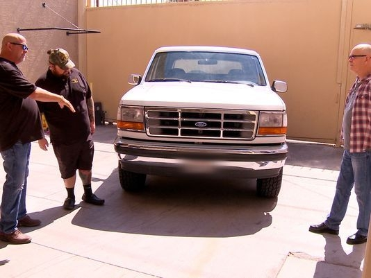 Bronco from O.J. Simpson slow-speed chase gets test drive on History's 'Pawn Stars'