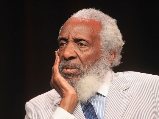 Dick Gregory, legendary comic and civil rights activist, dies at 84