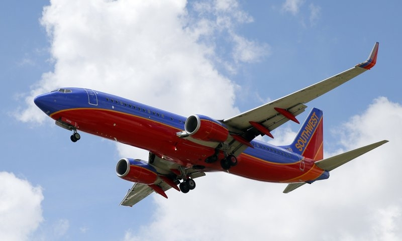 Tips for air travel: How to find deals and when to book