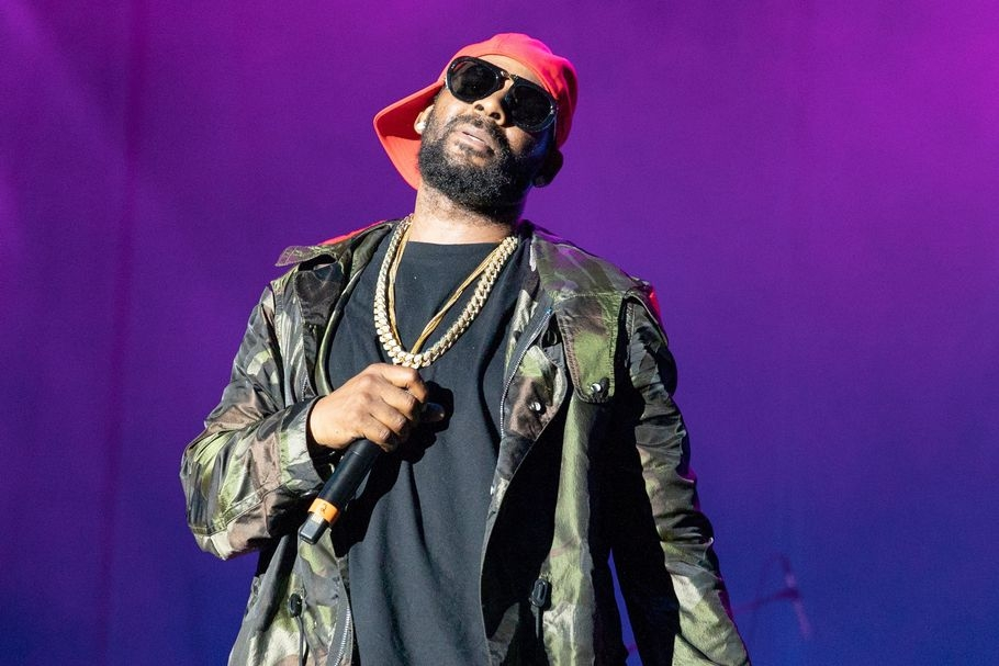 R. Kelly Addresses Sex Cult Allegations, Spotify Ban on 19-Minute Song 'I Admit'