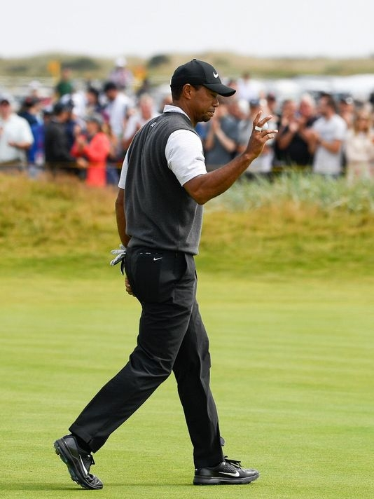 The Tiger Woods of old shows up in third round of The Open to leave him in contention