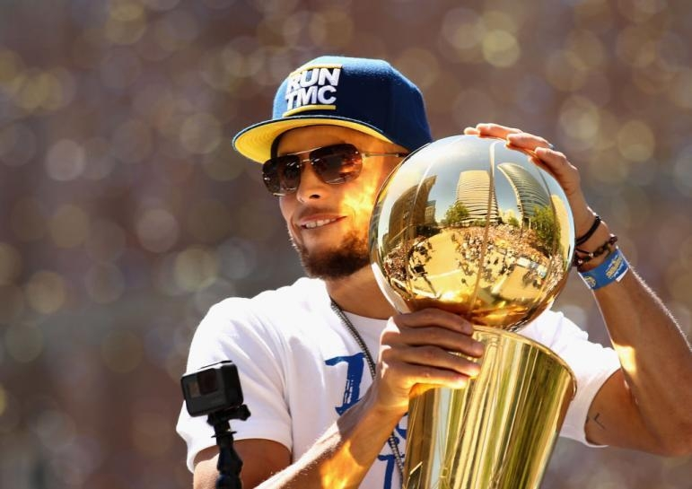 Warriors News: Stephen Curry Aiming For 'Rarely Done' NBA Achievement
