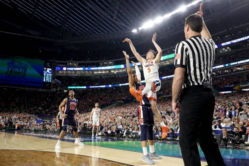 Virginia Comes Up Clutch in Controversial Win to Bury Painful Tourney Memories