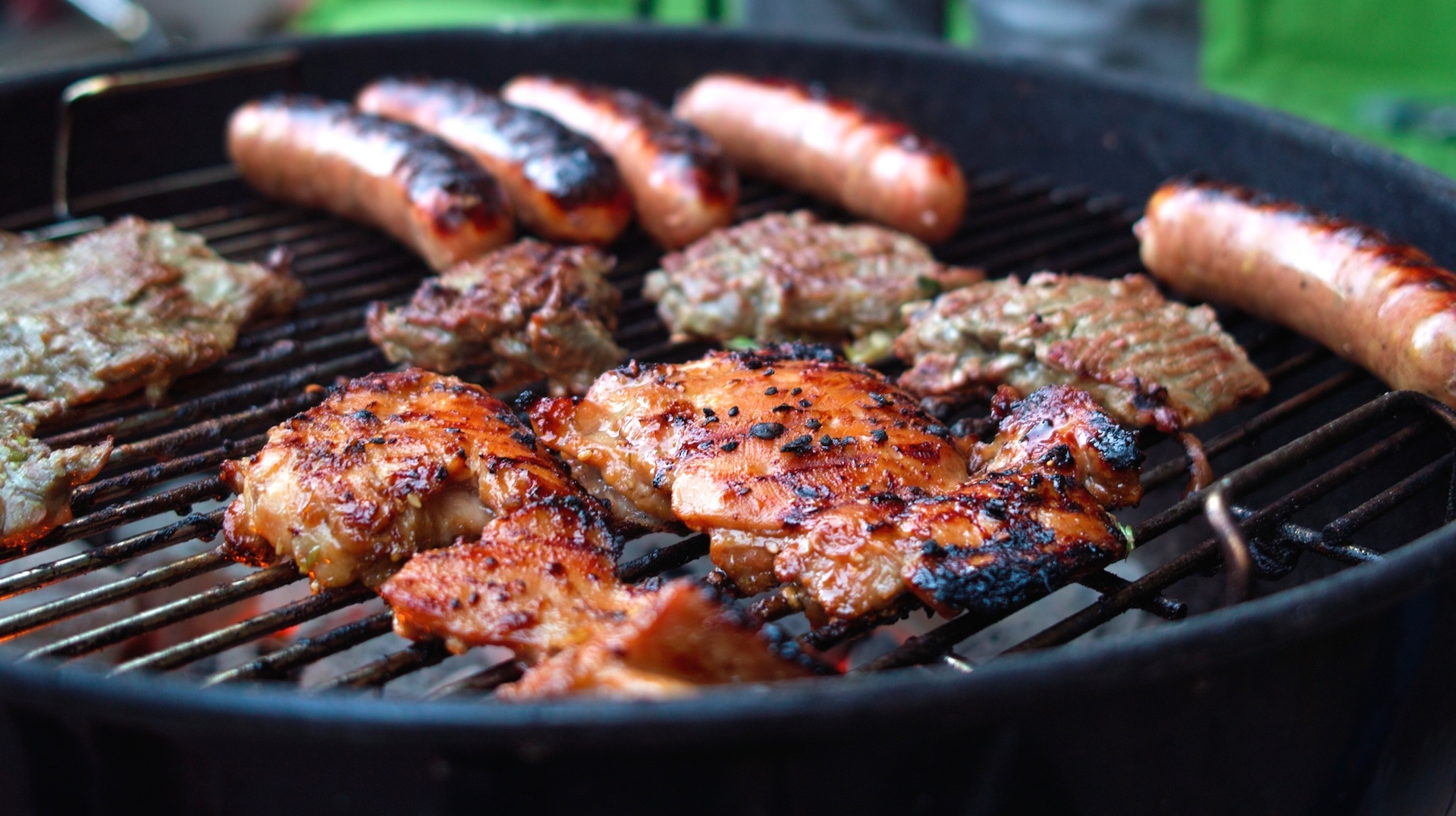 Labor Day weekend: America, you're grilling your burgers wrong and it could kill you
