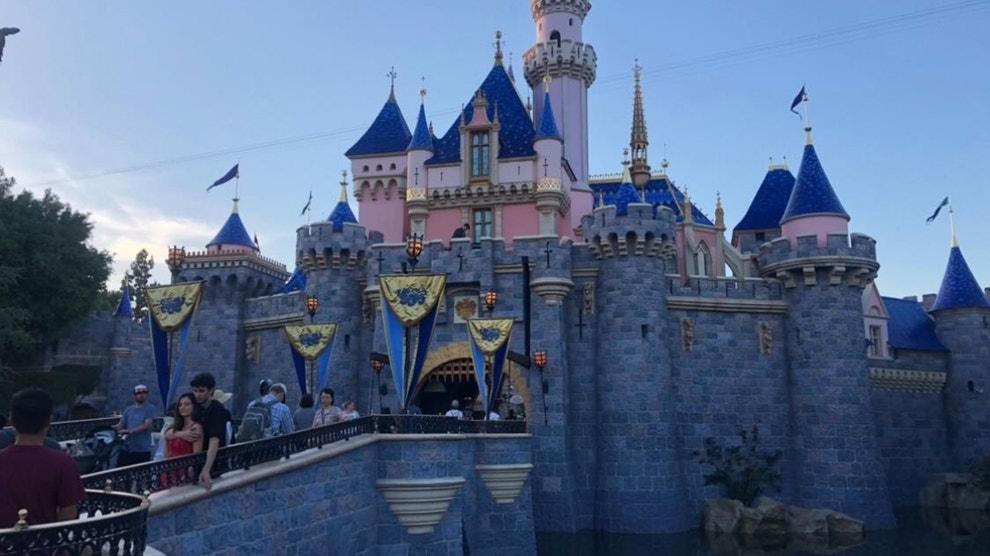 Disneyland closing amid coronavirus fears as California halts large gatherings