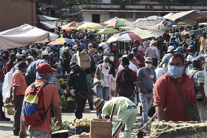 Coronavirus Lingers in Air of Crowded Spaces, New Study Finds