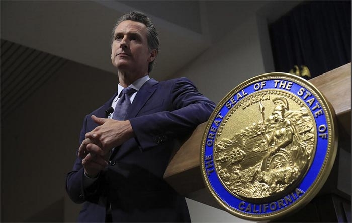 Newsom lays out plan to slowly reopen economy