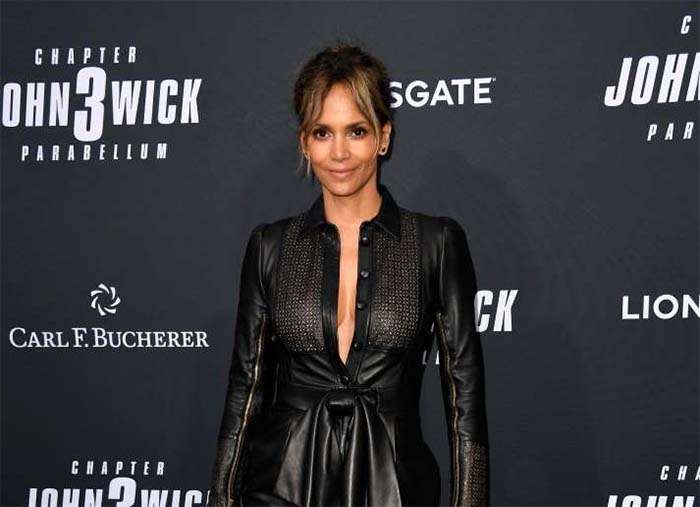 Halle Berry uses her 6-year-old son Maceo as gym equipment for her quarantine workout