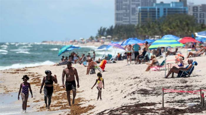 """Labor Day weekend will set the course for the coronavirus this fall: """"We may have some hard days ahead"""""""