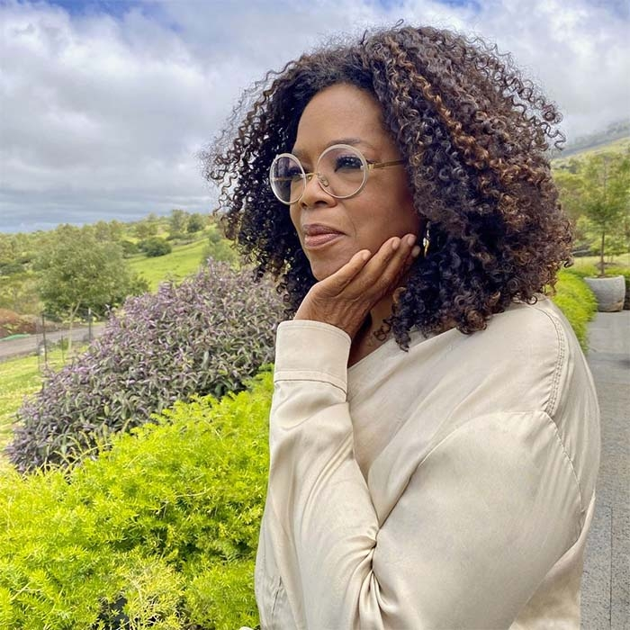 """Oprah Opens Up About Getting the COVID-19 Vaccine: """"I'm Grateful Beyond Description"""""""