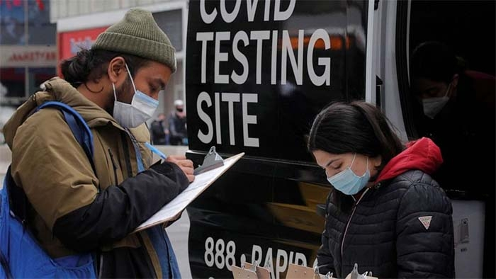 Over 100 fully vaccinated people contract COVID-19 in Washington state, officials say