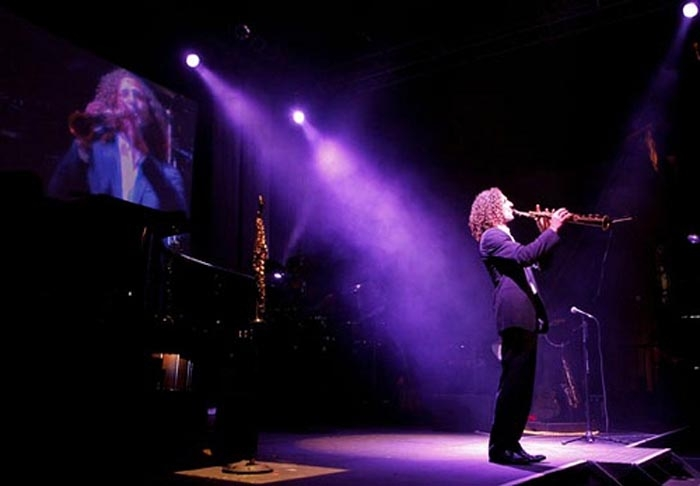 Blue Note Napa Shifts Their Summer Shows Outside